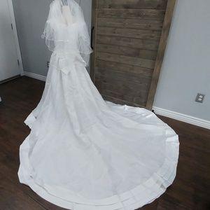 Oleg Cassini Wedding Dress sz 18